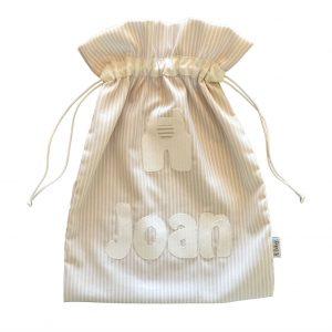 Bolsa guardería personalizada con el nombre del bebé en aplique
